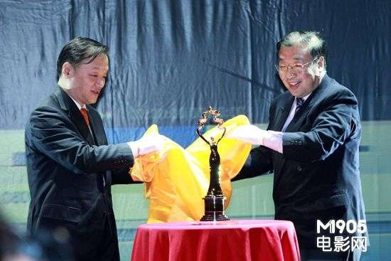 北京国际电影节公布天坛奖奖杯海报(图)