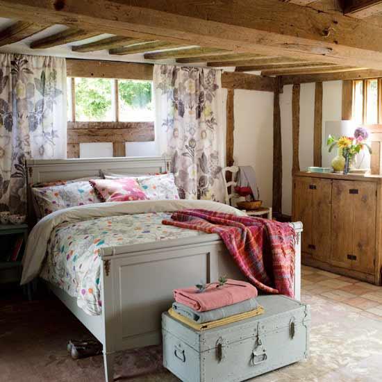 30平米卧室装修样板间:美式田园风,随意的生活姿态和复古的环境