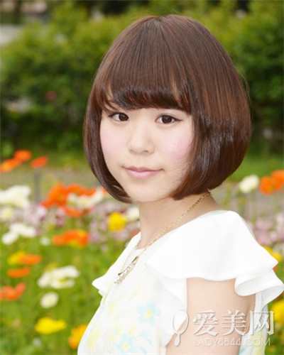 女生短发发型_国字脸女生适合的短发 瘦脸又减龄|发型|刘海_凤凰时尚