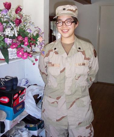 美国世界日报_美华裔高中毕业生参军者增多 退役后可免费读大学|美军|军种 ...