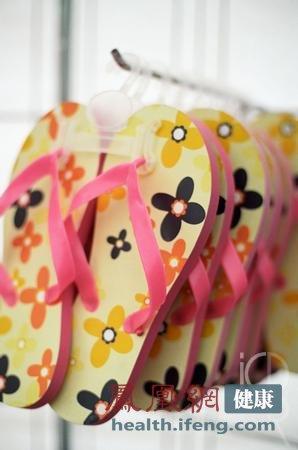 夏天最傷腳的類鞋 女人穿什么鞋子最健康