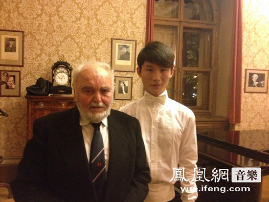 中国钢琴家牛牛情动布拉格