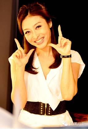 杨舒老公_她曾是芒果台最红女主持,与李湘争一姐,如今销声匿迹|舒高|李 ...