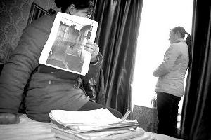 黑人幼女逼逼性交美国网_湖南幼女被逼卖淫案后续:受 害人母亲\
