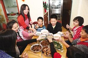 花都华商一家人:奔波万里就是为了吃一顿团圆饭