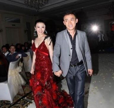 王惠和聂远的结婚照_组图:盘点2012年上半年离婚分手的明星们_音乐频道_凤凰网